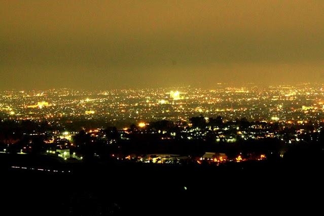 pemandangan dari bukit bintang yang cantik