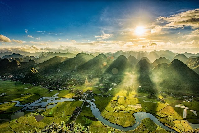 To Bac Son gold valley with hands reaching to the cloud