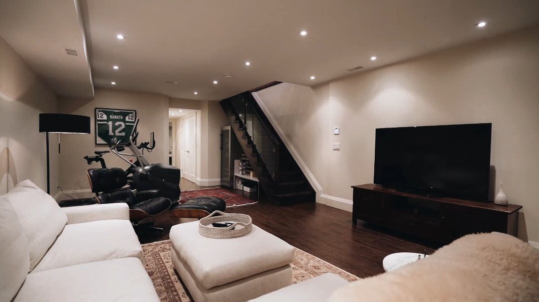 39 Interior Design Photos vs. Tour 262 Lisgar St, Toronto, ON Luxury Home