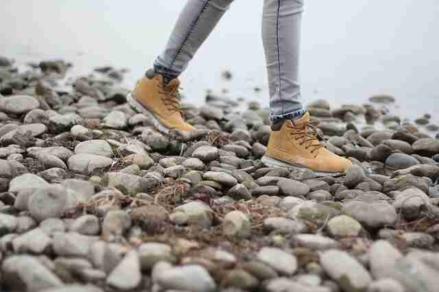 Advantages of using trekking shoes