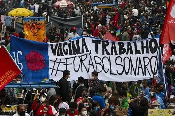 Golpismo de Bolsonaro reaviva seu possível impeachment