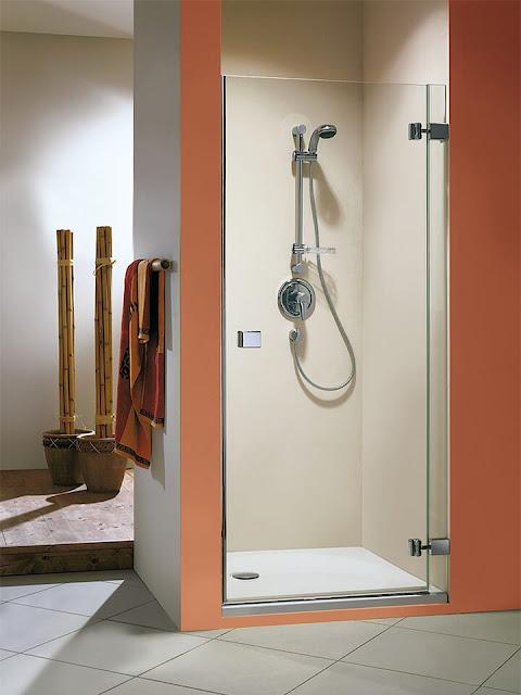Transparent glass door for shower room
