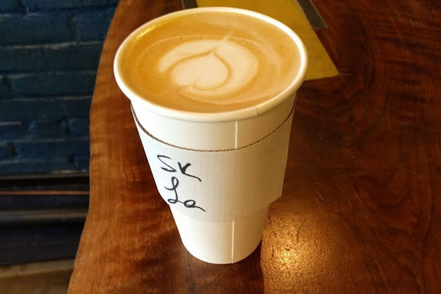 High Line coffee recommendation: Latte from Underline Coffee in Manhattan