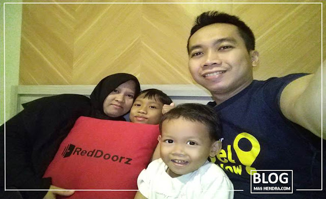 A Family At RedDoorz - Blog Mas Hendra
