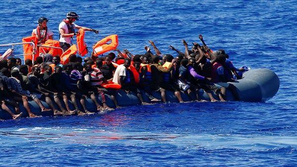 España rescata a 130 migrantes en el mar Mediterráneo