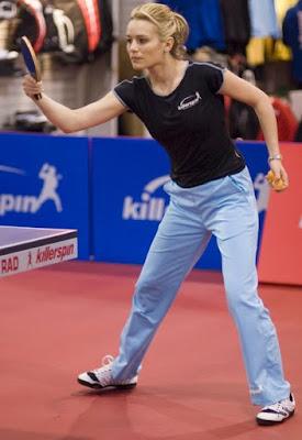 Biljana Golic biba atllet tennis meja cantik dari Amerika serikat wanita model cantik sepatu olahraga