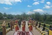 Telan Dana 2 Miliar, Fahsar Resmikan Jembatan di Kahu