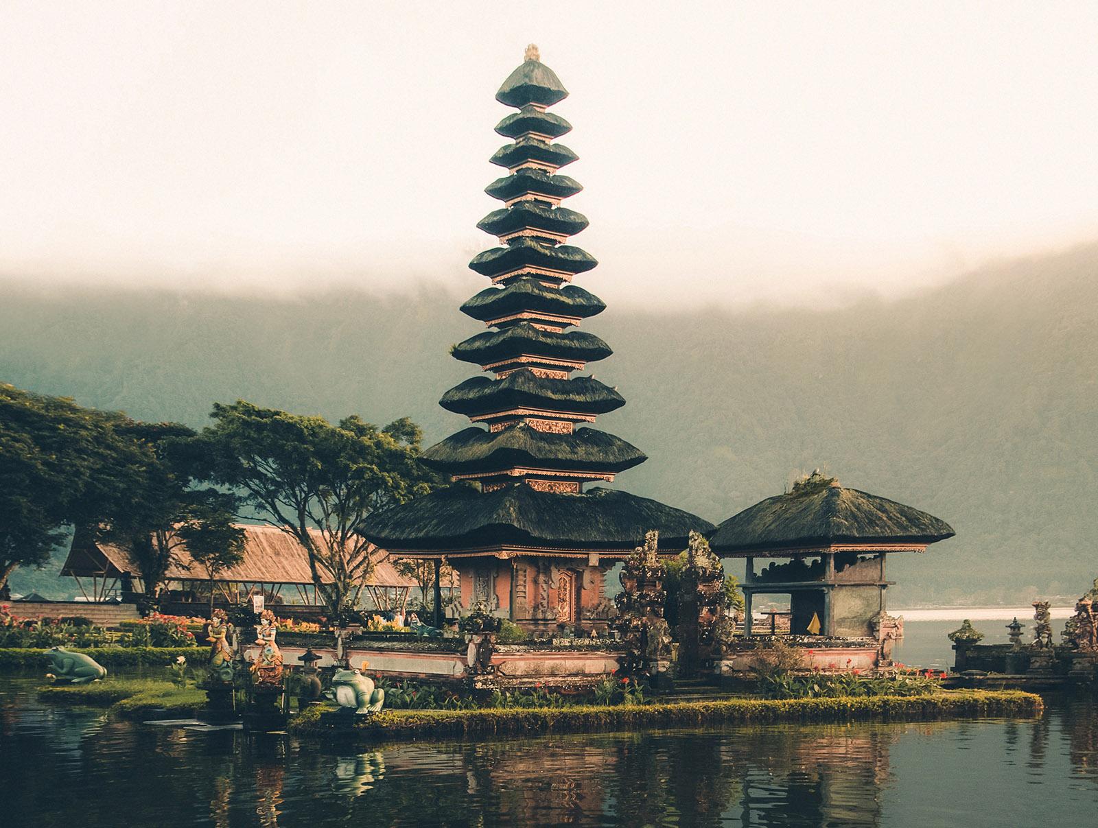 Jasa Transportasi, Sewa Motor, dan Wisata Bali