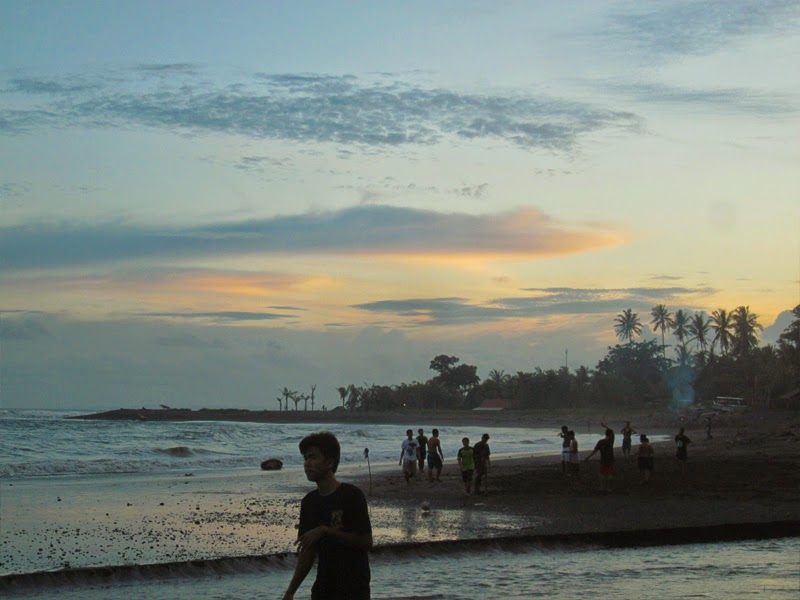 Tempat Wisata Pantai Saba Gianyar