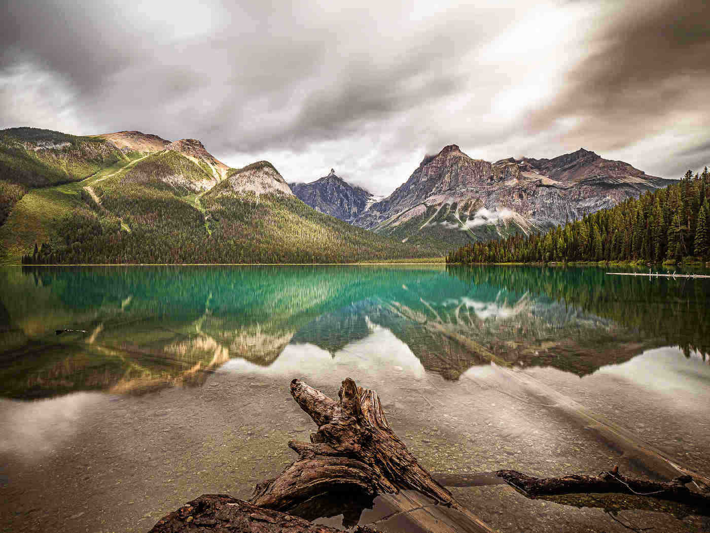emerald lake - spectacular lakes to visit in canada in 2019