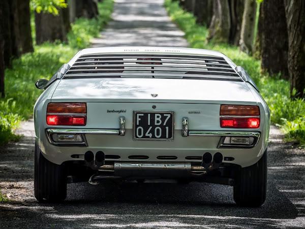 Lamborghini Urraco, precursor do Huracan, faz 50 anos