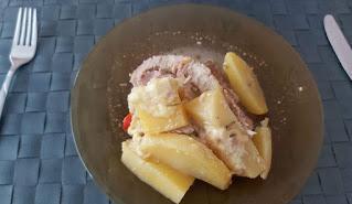 Χοιρινό στη γάστρα με πατάτες