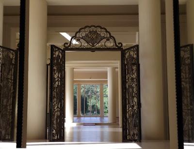 Porta da Casa de Serralves