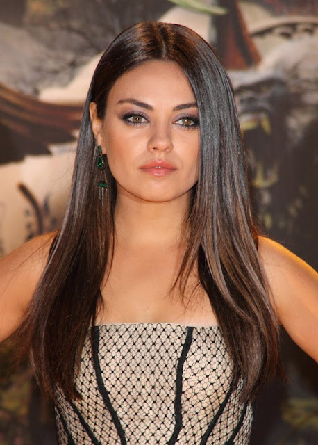 mila kunis oz the great and powerful european premiere. Black Bedroom Furniture Sets. Home Design Ideas