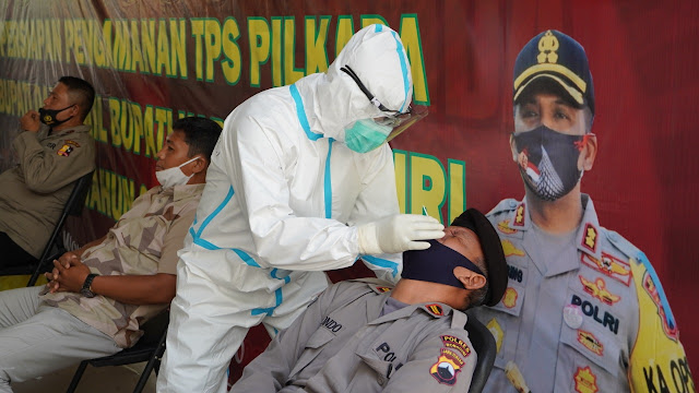 Antisipasi Corona Jelang Pengamanan Pilkada, Anggota Polres Wonogiri Jalani Swab Test