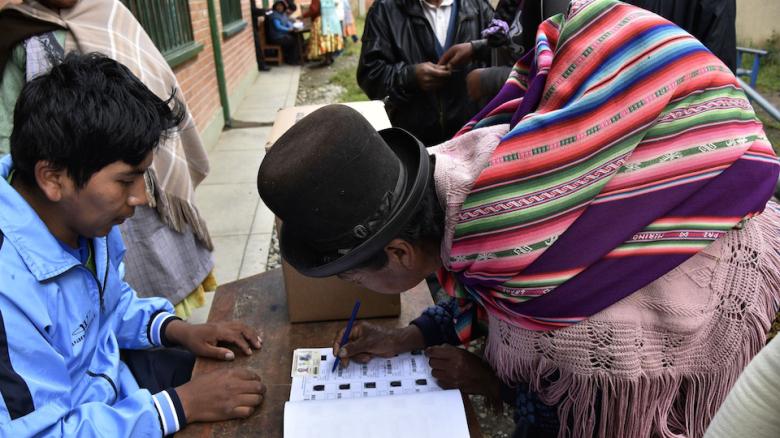 Recursos electorales también se gastan en materiales, logística y personal de apoyo / CNN