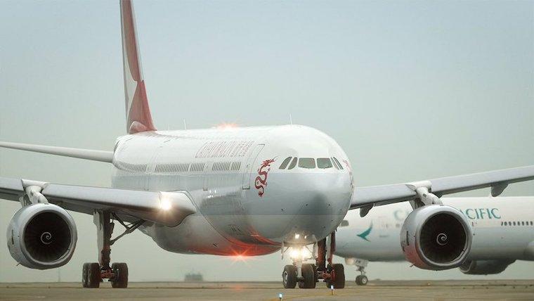 Keluarkan asap Dari Mesin Jet, Pesawat Cathay Dragon Tujuan Hong Kong  Lakukan Pendaratan Darurat di Bandara Taiwan