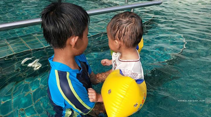 Waktu Usia Sesuai Ajarkan Anak Untuk Berenang