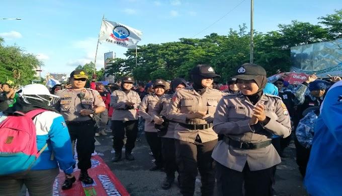 Dengan Humanis, Polres Serang Kota Amankan Aksi Unjuk Rasa Buruh