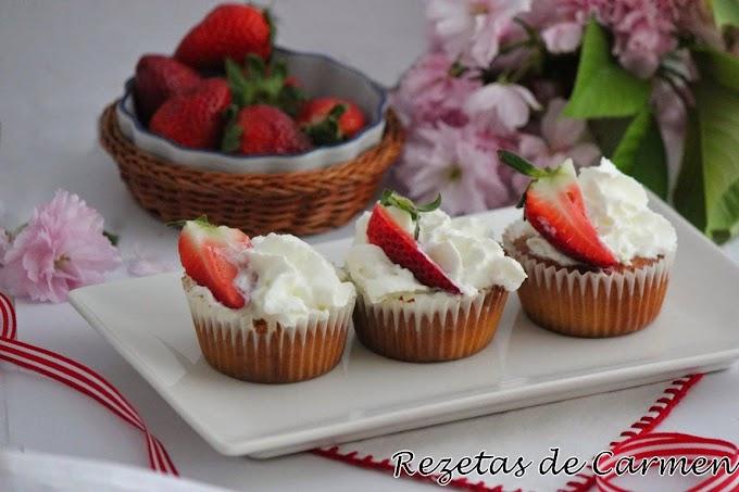 Cupcake de fresas naturales