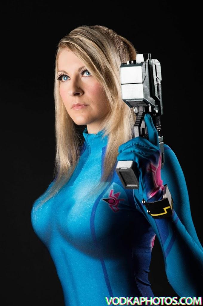 Cosmic-Empress con su cosplay de Samus