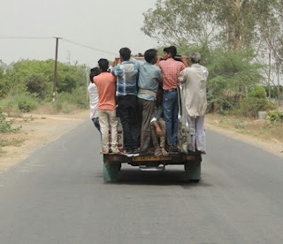 पुलिस विभाग व परिवहन विभाग ( A.R.T.O.) की मिली भगत से डग्गामार वाहनों की पौ-बारह राजस्व को लग रहा चूना