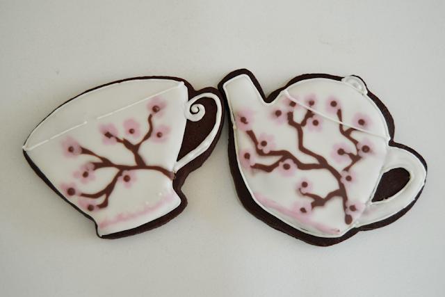 galletas con forma de juego de té decoradas con glasa
