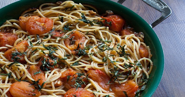 Spaghetti And Anchovy Butter With Crushed Tomatoes Recipe
