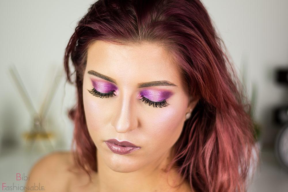 Violet Venus Augen geschlossen