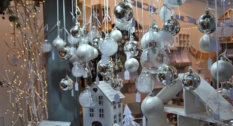 Glaskugeln für die Weihnachtszeit