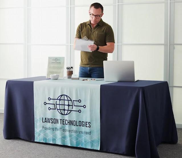Bold Color Tablecloth Trade Show Booth Ideas