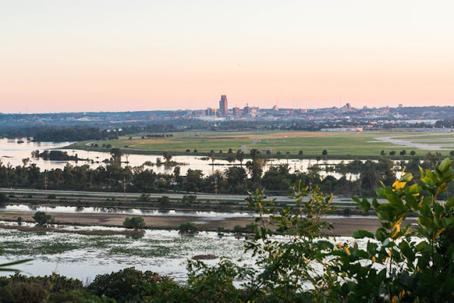 Omaha unfolds before you from the Lewis and Clark Scenic Overlook. Image credit Jess of Part Time Tourists.