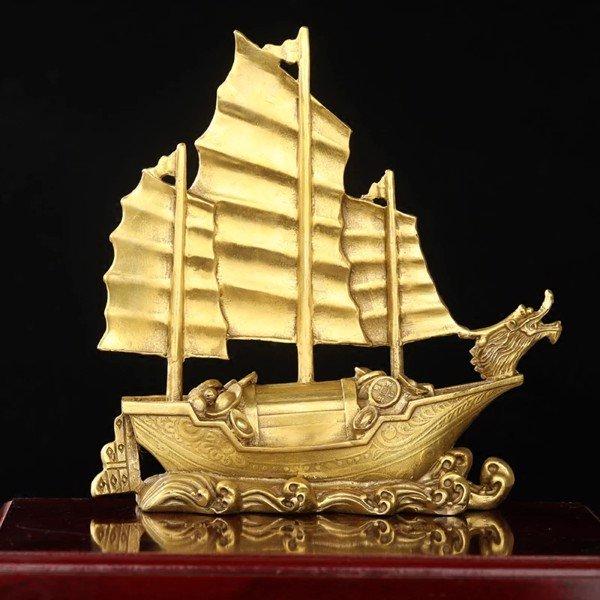 Top 10 vật phẩm phong thủy bố trí trong cửa hàng để hút tài lộc