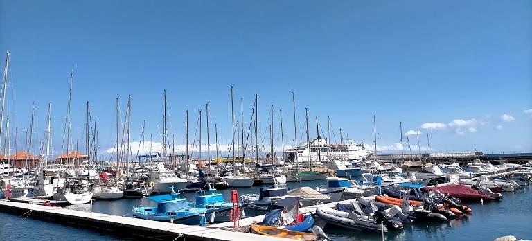 llegar-la-gomera-tenerife-ferry-puerto-san-sebastian