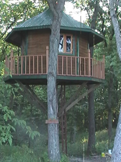 Project Gridless Bowhunting From A Treehouse