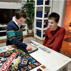 How to help autistic kids play board games