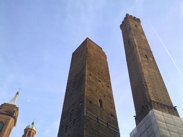 torre degli asinelli-Bologna