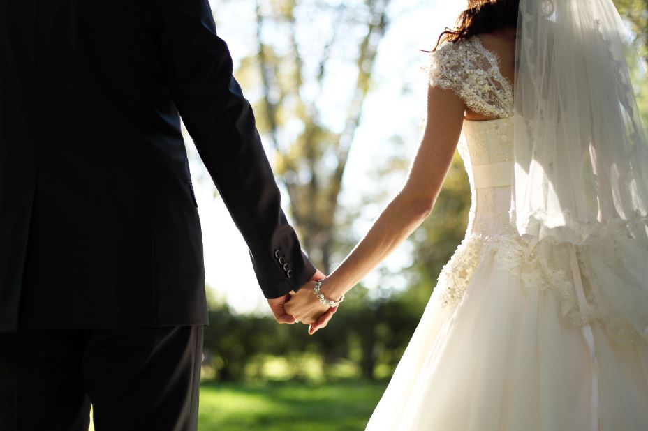 10 House-hunting tips for newlyweds