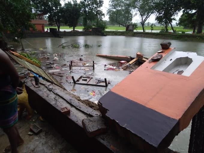 बलिया पोखरे में गिरा दुर्गा मंदिर, साधु-साध्वी की हालत गंभीरआंधी पानी कहर जारी