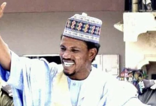 Serving Nigerian Senator Elisha Abbo assaults a female staff in a toy shop while a Police officer was watching.
