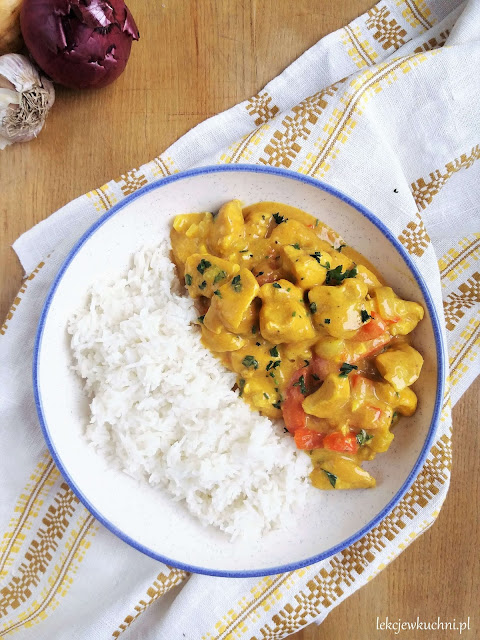 Kurczak w sosie curry / Chicken with Curry Sauce