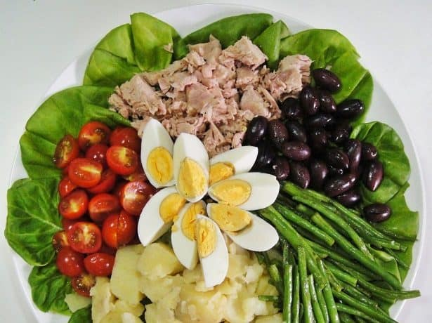 How to make French nessoise salad