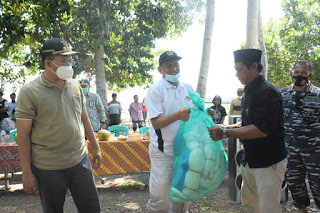 Gubernur NTB Datangi Dusun Brang Kua-Pulau Moyo, Masyarakatnya Terharu
