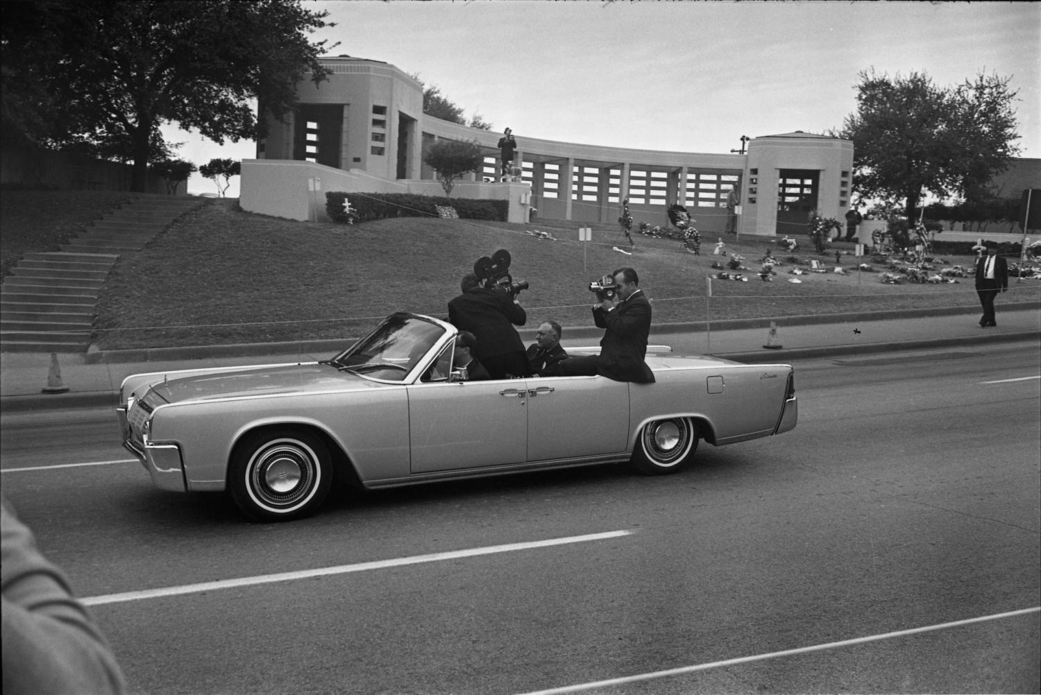 Kennedy Assassination How Many In The Car