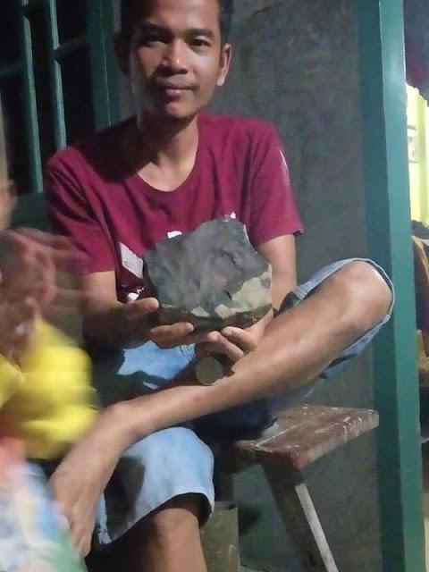 Warga Tapteng Josua Ngaku Jual Meteor yang Timpa Rumah Rp 200 Juta