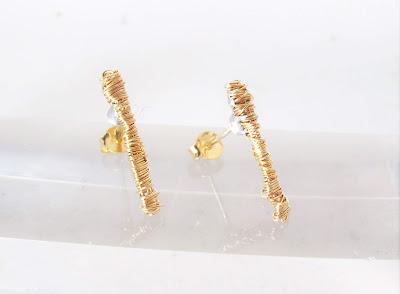 Minimalist earrings, yellow gold earrings