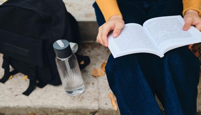 Manfaat Membaca Buku Untuk Kesehatan Manusia