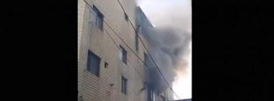 Madre tira hijos piso 4 para salvarlos de un fuego