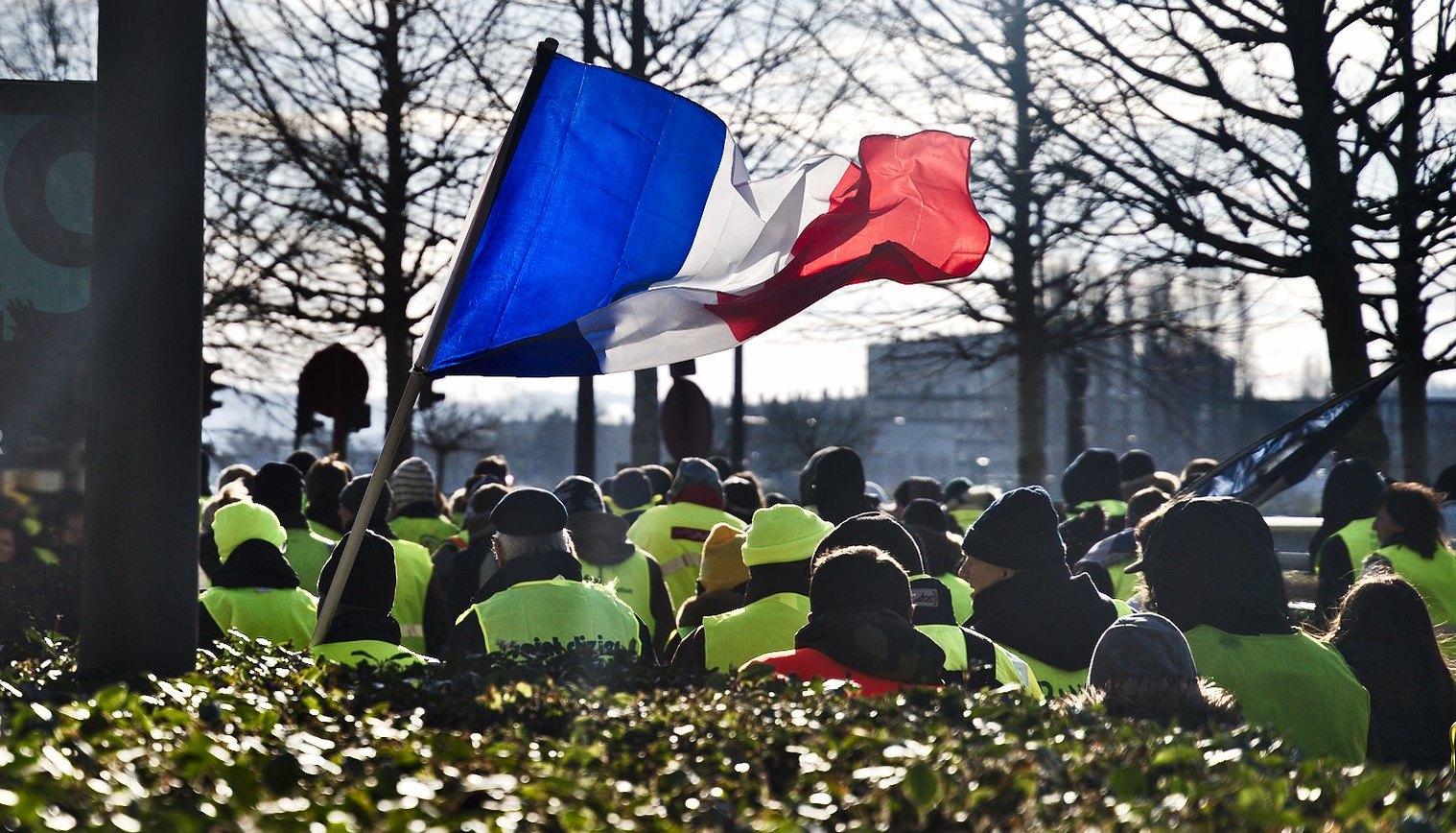 """"""" Le 1er décembre, l'Élysée aurait pu tomber"""": un CRS décrit le chaos pendant la crise des """"gilets jaunes"""""""