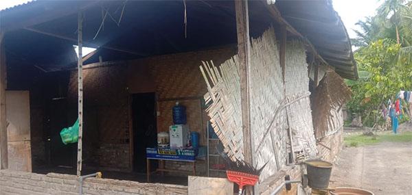 Rumah warga yang rusak.
